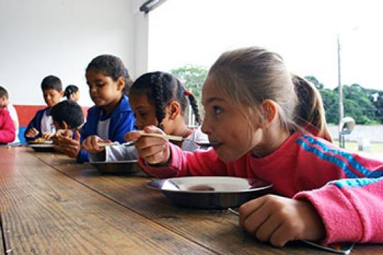 FNDE transfere R$ 366,3 milhões para a alimentação escolar