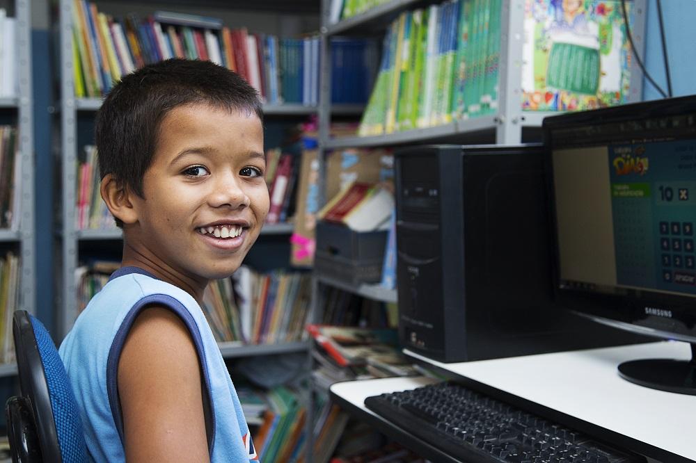 Conheça 5 oportunidades de apoio aos profissionais da educação para retomada das aulas presenciais e ensino híbrido