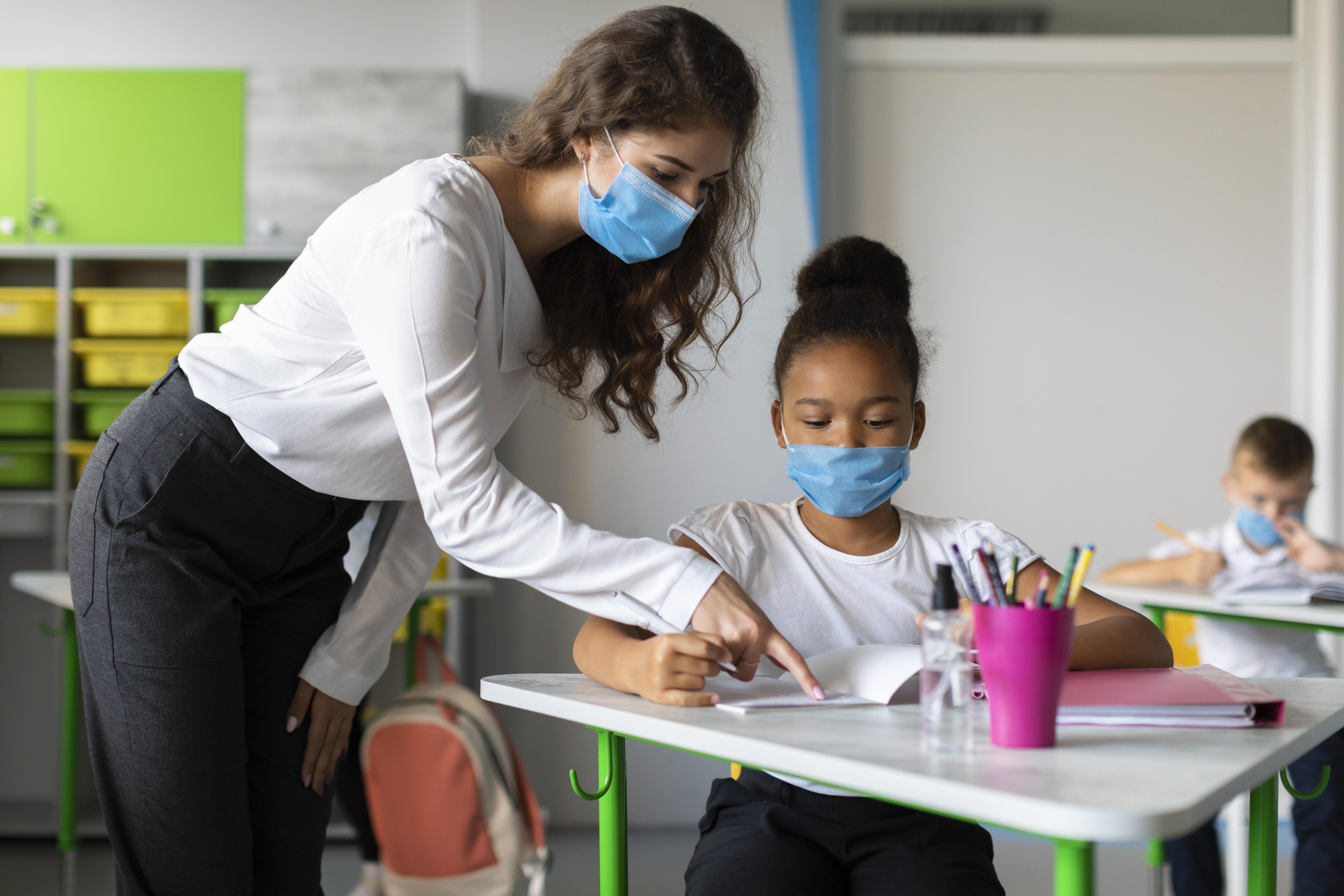 Gestores municipais de educação priorizam busca ativa de estudantes e suporte aos diretores, diz estudo da Undime
