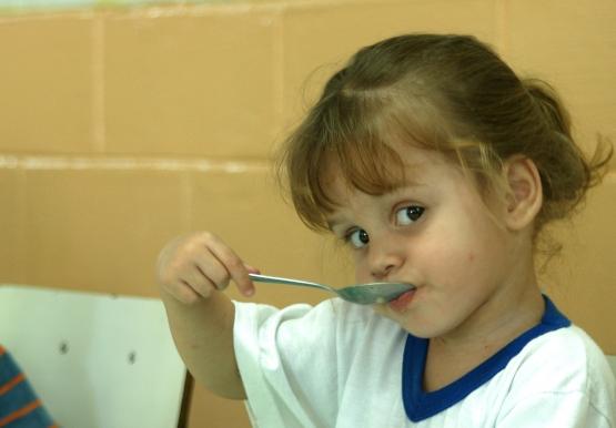 FNDE vai fazer repasses extras para alimentação escolar