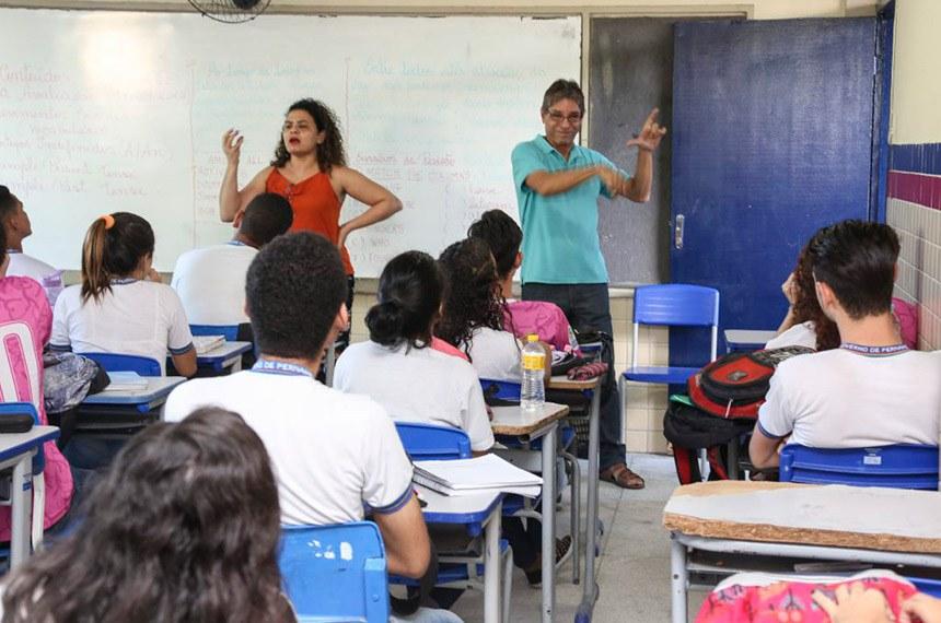 Obrigatoriedade da oferta de Libras na educação básica passa na CDH
