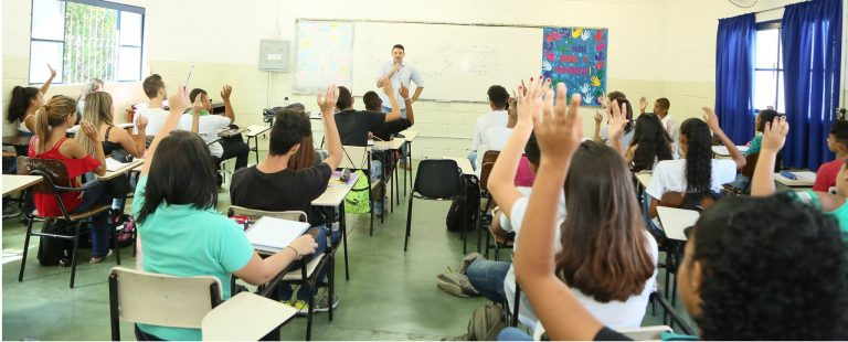 Depois de sete anos de vigência Plano Nacional de Educação não avança, afirmam educadores