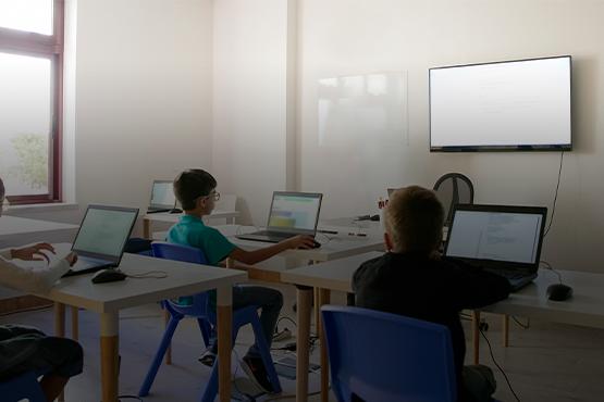 Pesquisa revela dados sobre tecnologias nas escolas