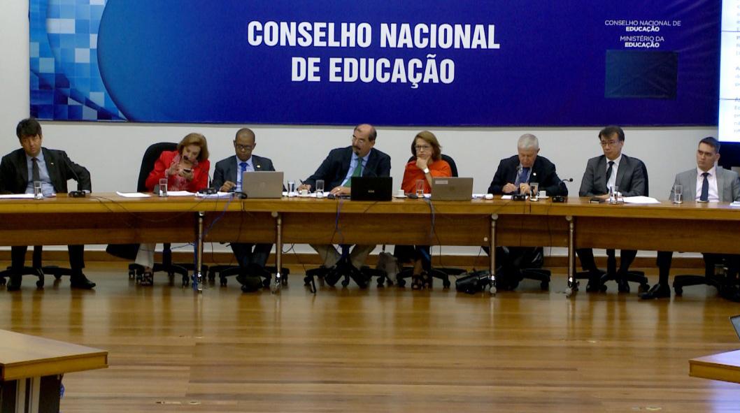 Conselho Nacional de Educação divulga nota de esclarecimento considerando as implicações da pandemia do Coronavírus