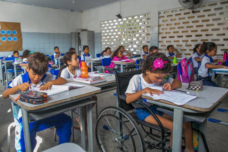 Unicef alerta que 3,5 milhões de estudantes brasileiros foram reprovados ou abandonaram a escola em 2018