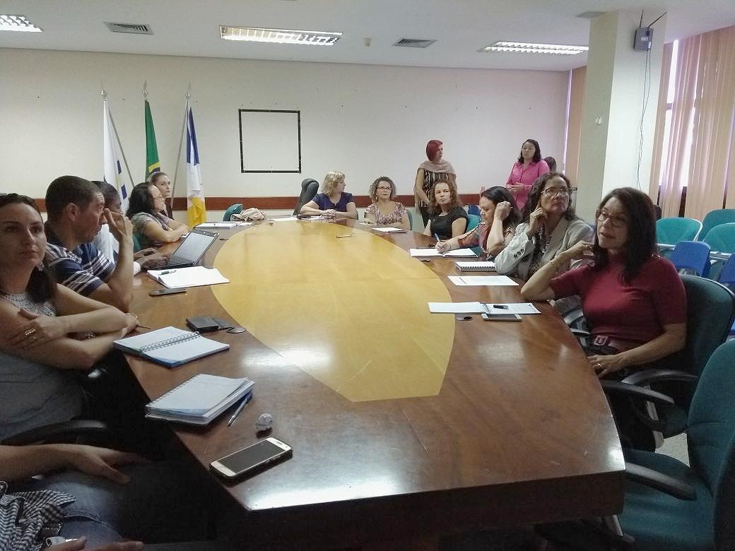Assessoria técnica e redatores da BNCC se reúnem para discutir acerca da estrutura e composição do currículo no Tocantins.