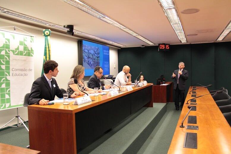 Busca Ativa Escolar é debatida em audiência pública na Câmara dos Deputados