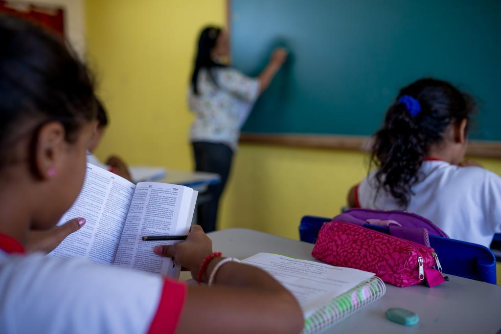MEC lança edital de chamada pública para seleção de professores interessados em avaliar obras do PNLD 2022