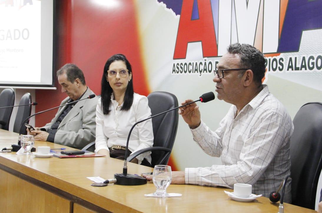 Reunião da Undime AL com municípios discute Fundeb e BNCC