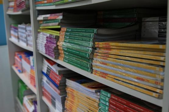 FNDE estende prazo para pedidos de livros didáticos no sistema de reserva técnica