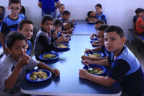 FNDE antecipa repasse de R$ 364 milhões de programa de alimentação escolar