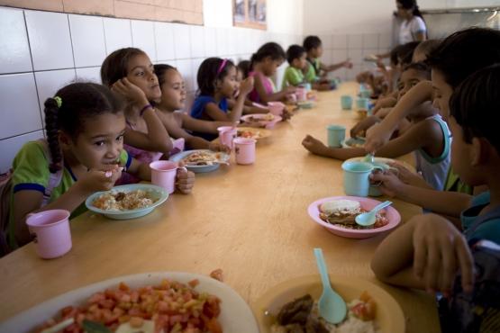 FNDE repassa R$ 356 milhões para alimentação escolar de estudantes da educação básica