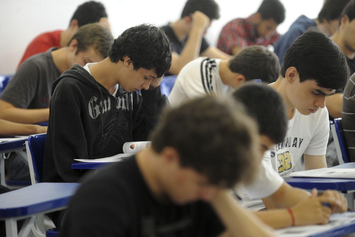 Maioria dos alunos gosta de estudar português e matemática