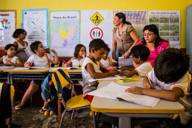MEC faz conferência sobre alfabetização, mas não detalha verba para política