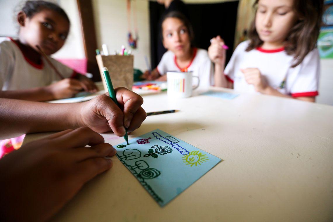 Frequência escolar de beneficiários do Bolsa Família chega a 90,31%