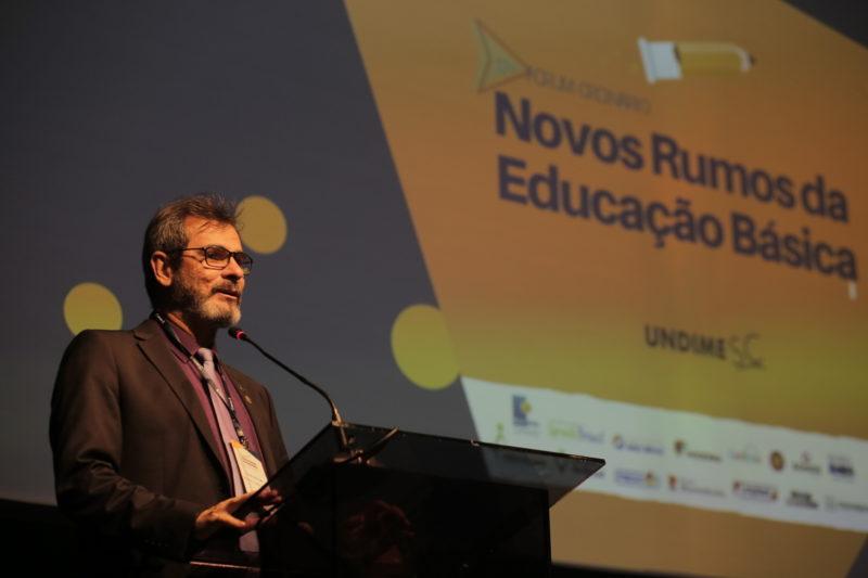 Participantes debatem os novos rumos da Educação Básica no 17º Fórum da Undime SC