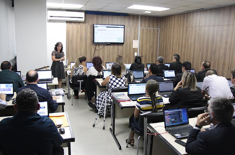 Dirigentes Municipais de Educação participam de oficina sobre o PAR no FNDE