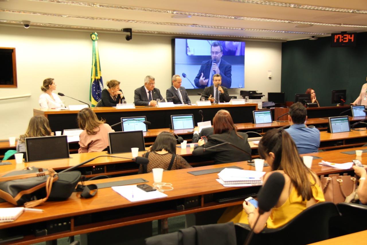 Fundeb é tema de debate em audiência pública na Câmara dos Deputados