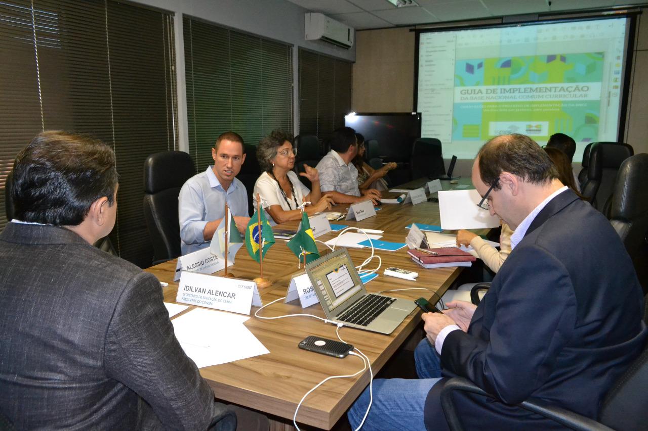 Experiência do Ceará na cooperação com os municípios é referência para implantação da BNCC no país