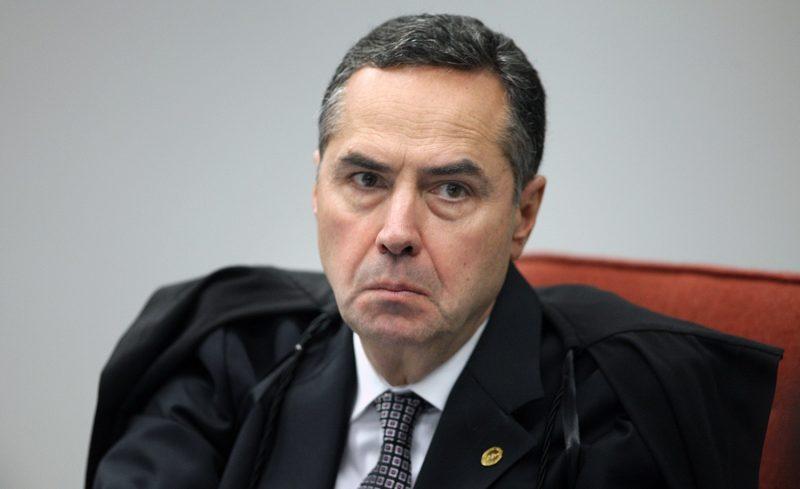 """Ministro Barroso diz que Escola sem Partido é """"assombração errada"""""""