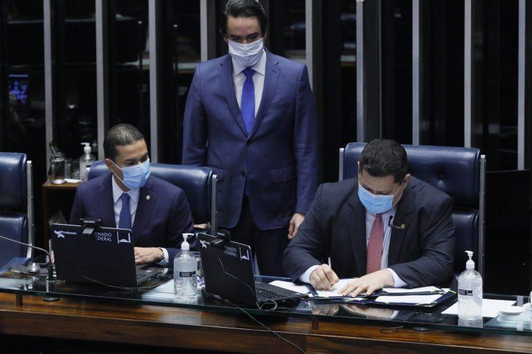 Promulgada emenda que adia eleições municipais para novembro