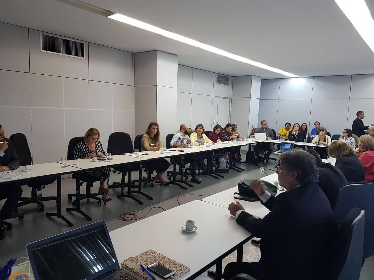 Undime participa de reunião para discutir a atualização da política de educação especial