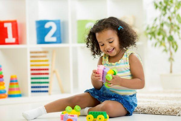 Materiais apoiam professores a entenderem a proposta dos Campos de Experiência da Educação Infantil