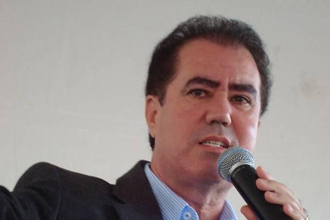 """""""Não dá mais para continuar passando a mão na cabeça do Bolsonaro"""""""