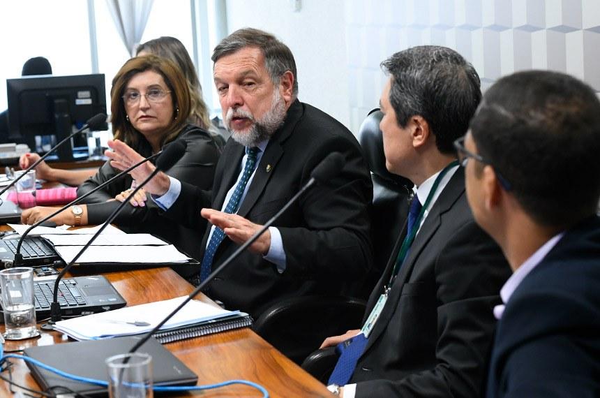 Divulgado relatório do senador Flávio Arns referente à PEC do Novo Fundeb