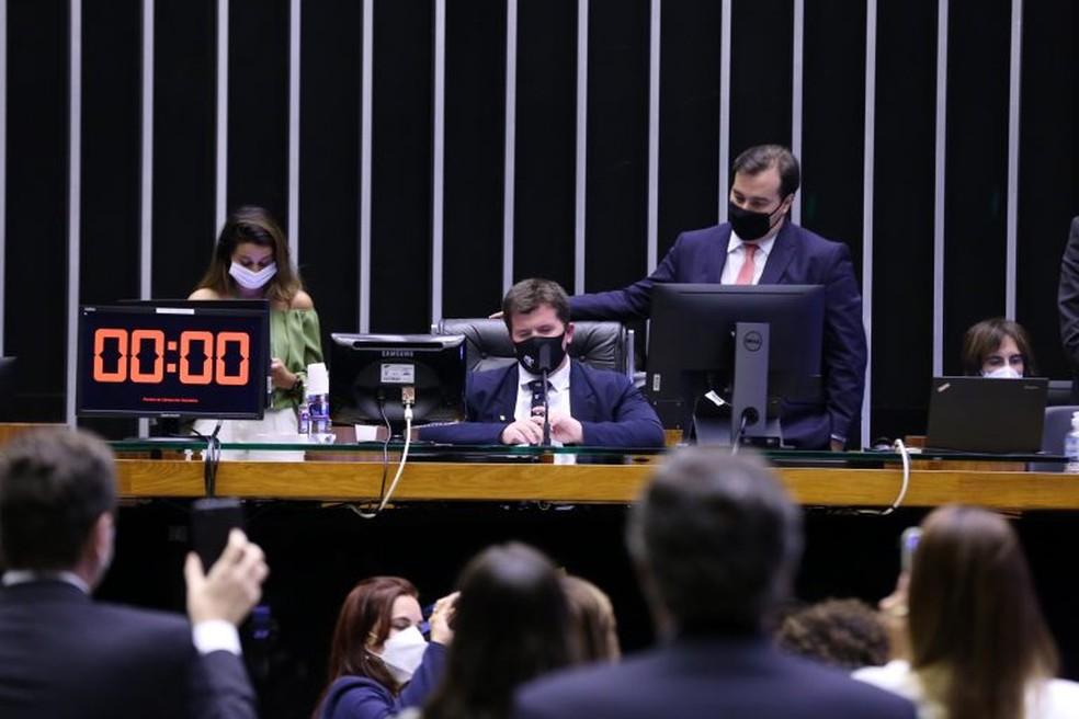 Novo Fundeb deve ser votado em agosto no Senado, diz Flávio Arns