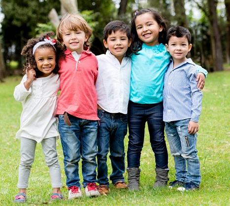 Pediatras lançam manual sobre os benefícios da natureza no desenvolvimento de crianças e adolescentes