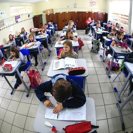 Política de alfabetização não deve se pautar em metodologia única, diz MEC