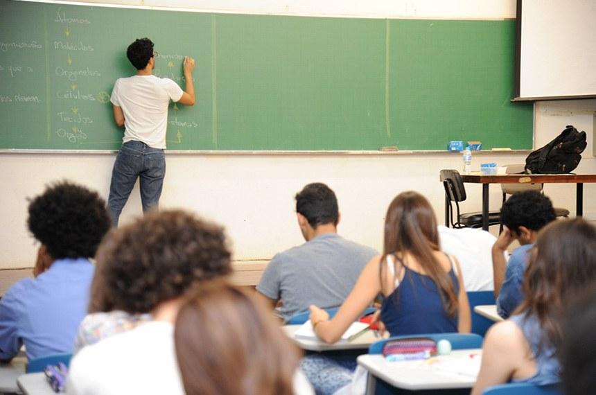 PEC que desobriga gastos mínimos com educação será debatida nesta terça-feira no Senado