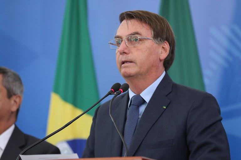 Coronavírus: sancionada lei do auxílio emergencial de R$ 600