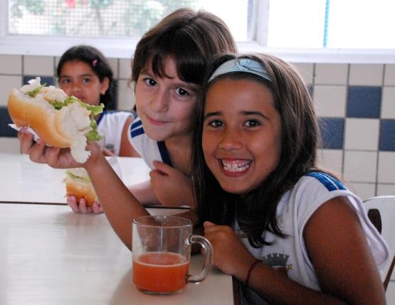 FNDE alerta sobre o prazo para prestação de contas do Programa Nacional de Alimentação Escolar