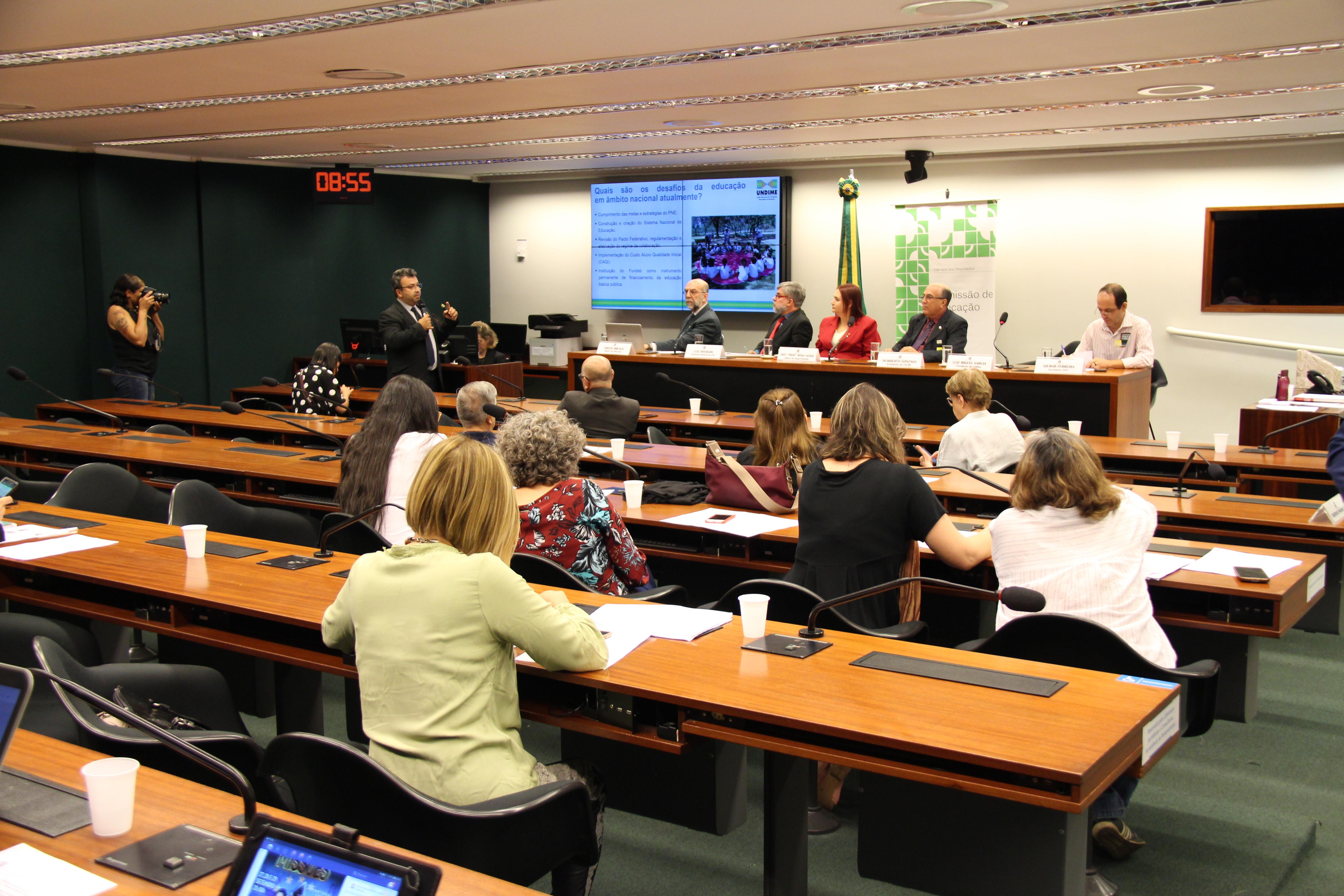 Undime debate Sistema Nacional de Educação em audiência na Câmara dos Deputados
