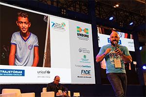 UNICEF lança plataforma de combate à distorção idade-série no Brasil