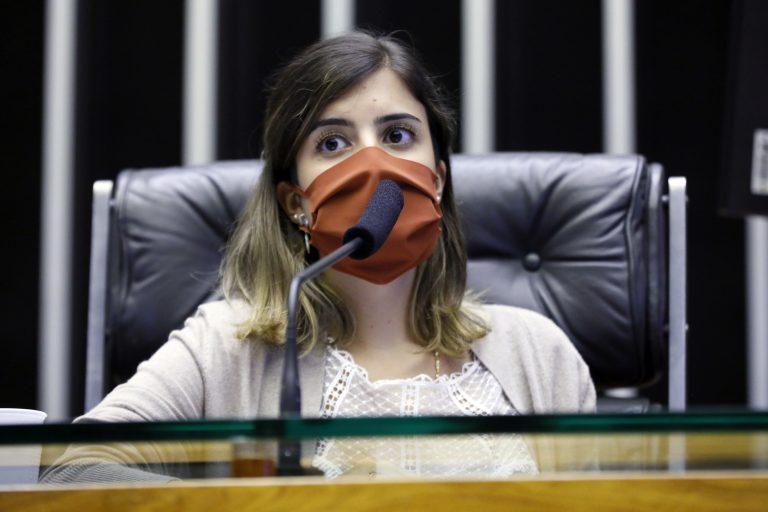Câmara aprova ajuda de R$ 3,5 bilhões para acesso gratuito de estudantes à internet