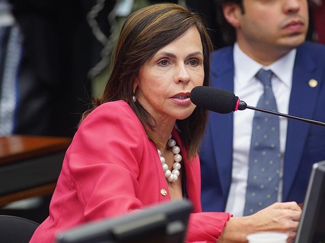 Relatora quer Fundeb permanente com 40% de recursos da União