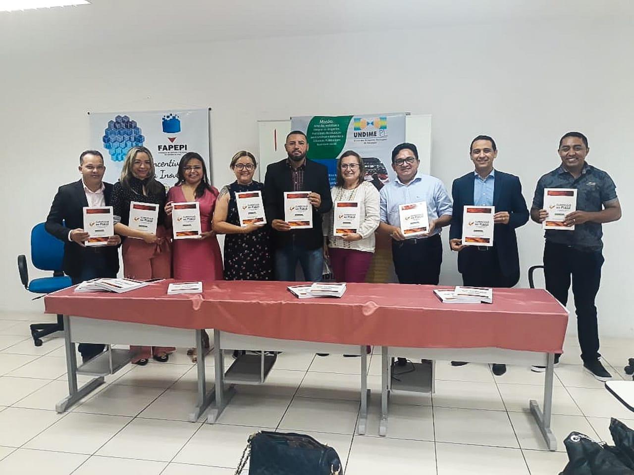 Undime-PI realiza solenidade de entrega de versão impressa do Currículo do Piauí
