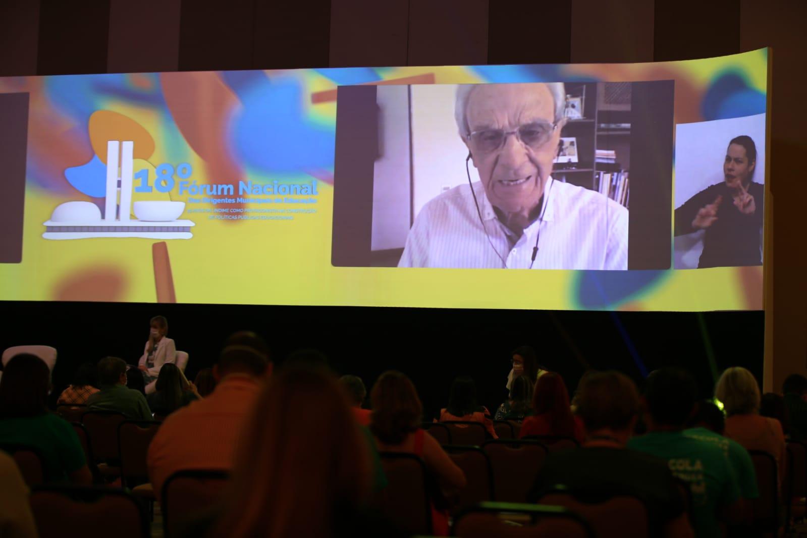 18º Fórum Nacional da Undime encerra com reflexão do sociólogo e educador, Miguel Arroyo