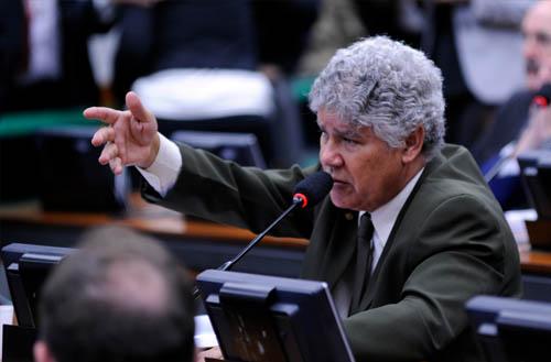 Câmara aprova projeto que destina para educação básica 30% da receita com venda de importados apreendidos