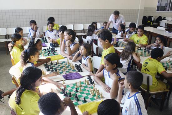 Jogos, esportes e artes são algumas das atividades dos alunos nas escolas que aderem ao Mais Educação (Foto: João Bittar/Arquivo MEC)