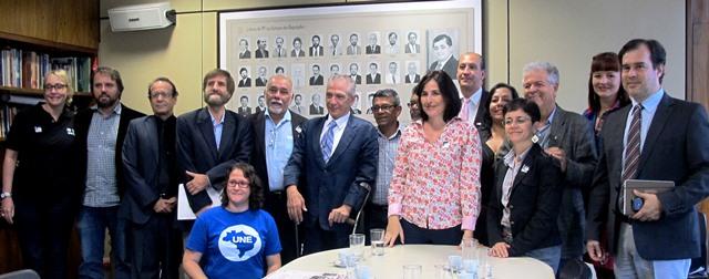 Reunião de membros do GT de Acompanhamento do PNE do FNE com o relator do PNE na Câmara, Angelo Vanhoni