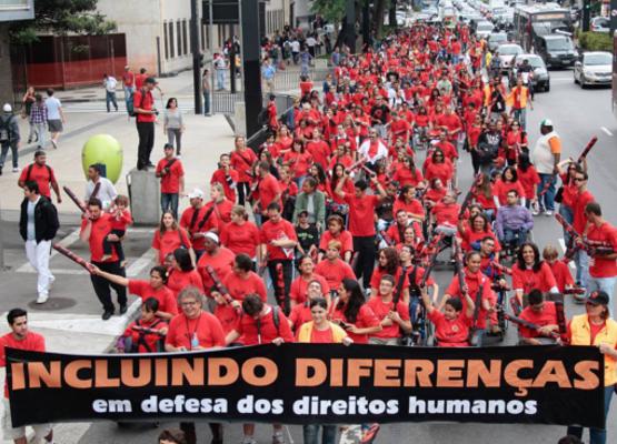Fonte: Passeata Movimento SuperAção / ONG Mais Diferenças