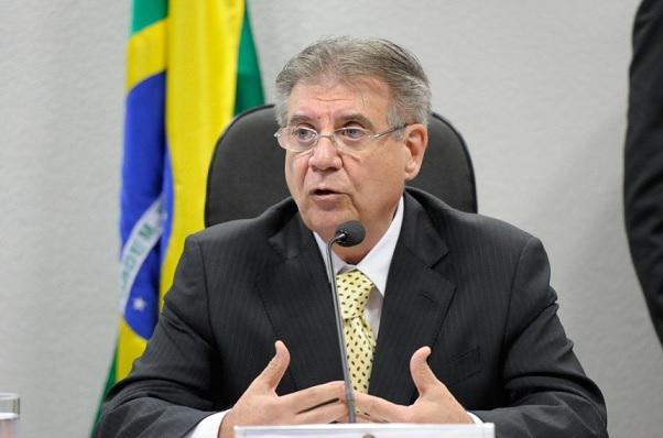 Senador Cyro Miranda, presidente da Comissão de Educação (Foto: Edilson Rodrigues/Agência Senado)